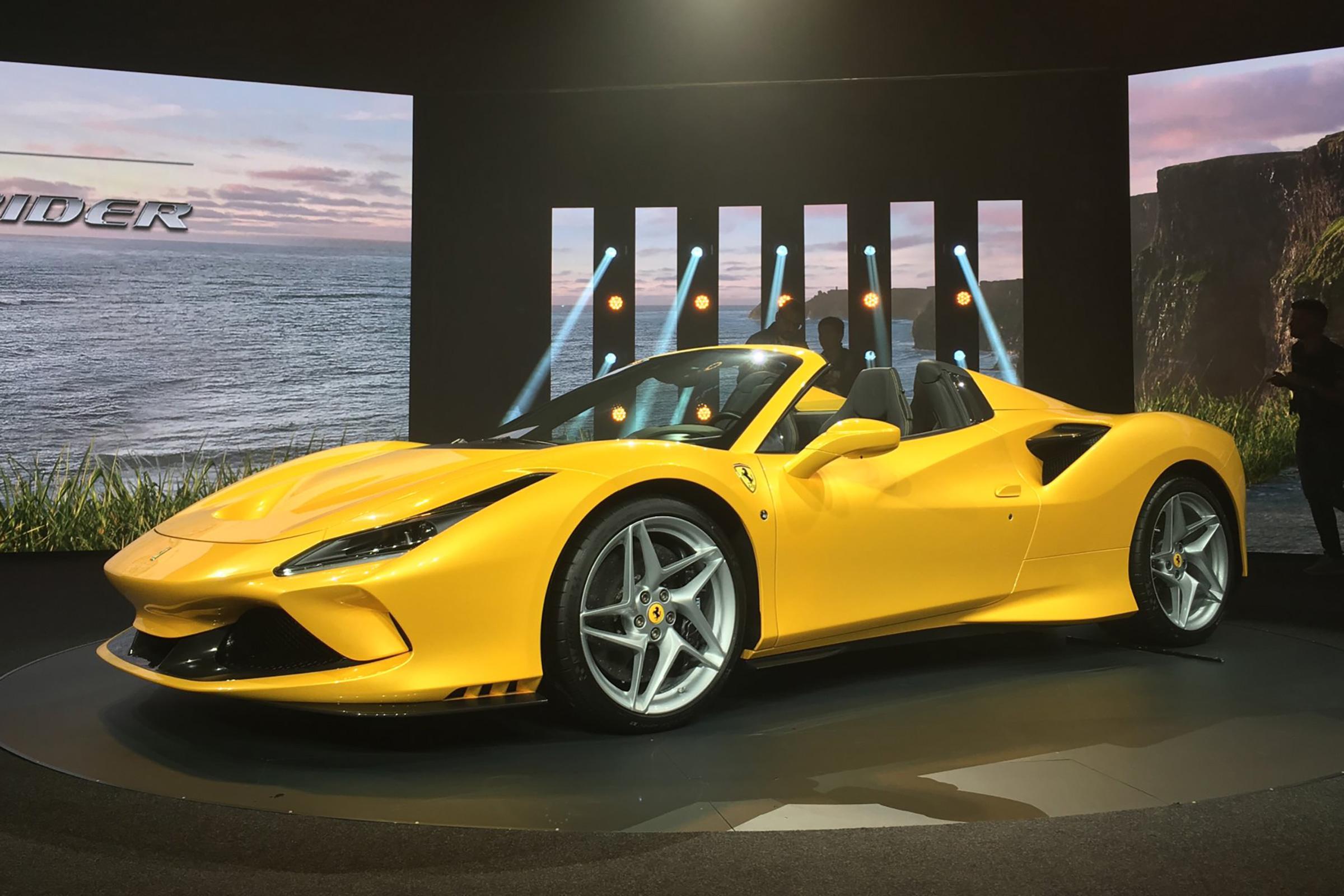 New Ferrari 812 Gts Revealed V12 Convertible Ready To Roar Evo