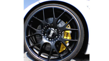 Movit brakes wheel
