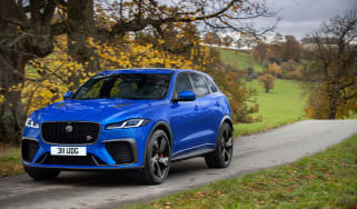 Jaguar F-Pace SVR 2021 action