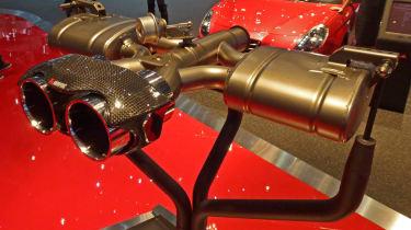 Alfa Romeo 4C Spider Akrapovic titanium exhaust
