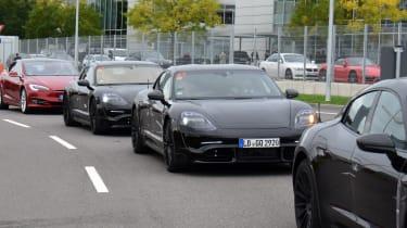 Porsche Mission E - convoy