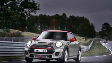 Mini John Cooper Works hatch 2019 facelift driving