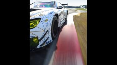 BMW M6 GT3 - kerb