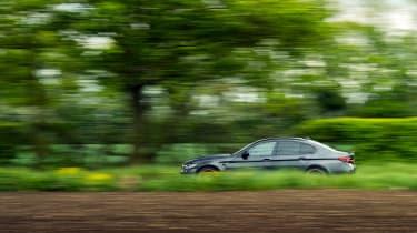 BMW M5 CS – pan side