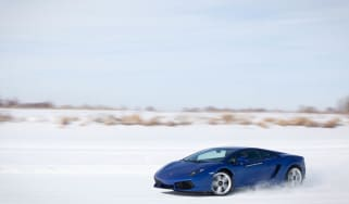 Video: Lamborghini Gallardo LP550-2 on ice