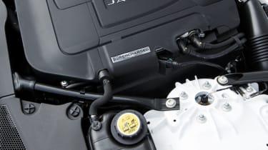 Jaguar F-type Coupe R engine