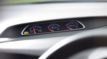 Ford Focus RS Mountune M400 - Gauges