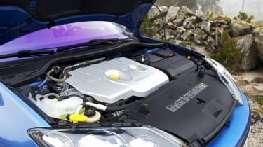Renault Laguna GT engine