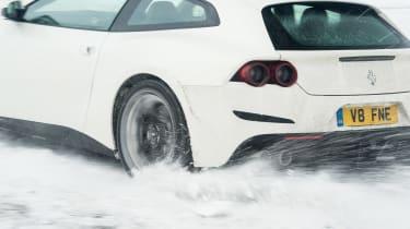 Ferrari GTC4 Lusso T - spin