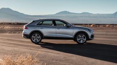 Audi Q8 – side