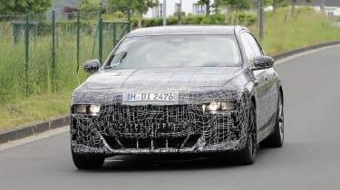 Next generation BMW 7-series spied – front