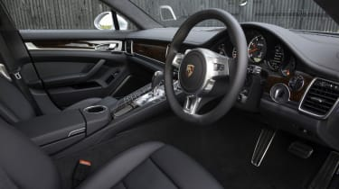 New Porsche Panamera Turbo interior dashboard