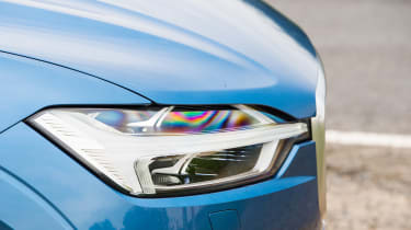 Volvo XC60 - headlight detail