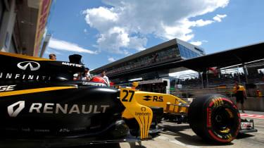 Formula One Round 9 AUT - Ren