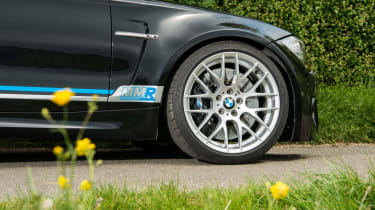 MMR BMW 1M Coupe - wheel and brakes
