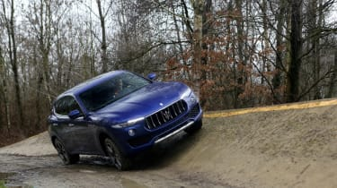 Maserati Levante - off roading