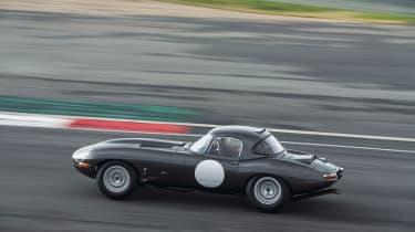 Lightweight Jaguar E-Type - profile