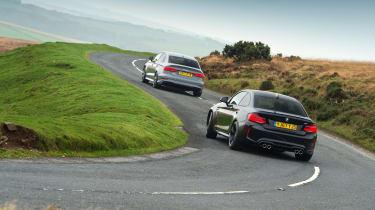 Audi RS 3 vs M2 - slide
