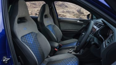 Volkswagen Tiguan R – seats