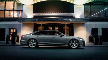 Audi A8 – side