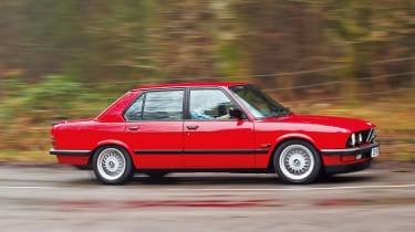 BMW M5 E28 side profile