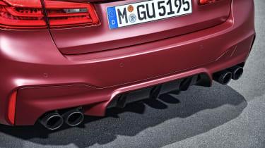BMW M5 F90 - Plum matte rear pipes