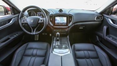 Maserati Ghibli 2016 - interior 2
