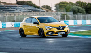 Renault Megane R.S. – front quarter cornering