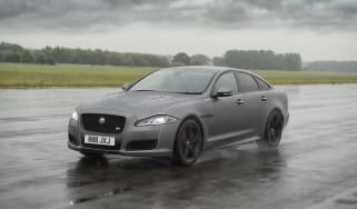 Jaguar XJR575 action