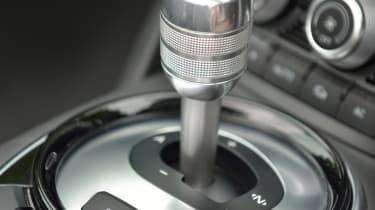 Audi R8 Spyder 4.2 FSI quattro S-tronic gear selector