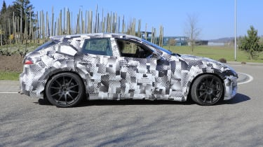 Ferrari Purosangue close up – pan
