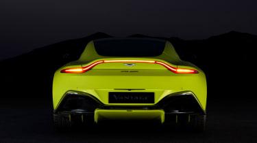 evo exclusive Aston Martin Vantage - green rear