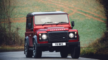 Land Rover Defender Works V8 – front
