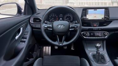 Hyundai i30 Fastback N-Line - dash
