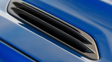 Aston Martin Vanquish S -
