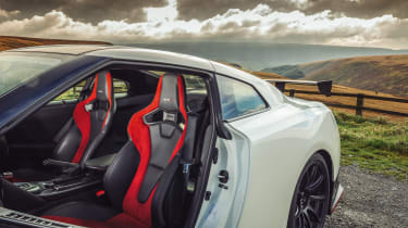 R35 Nissan GT-R Nismo seats