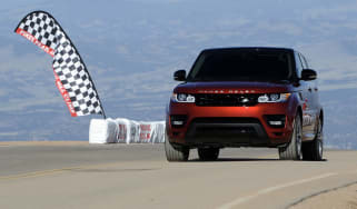 2014 Range Rover Sport sets Pikes Peak production-car record