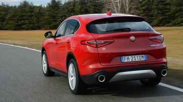 Alfa Romeo Stelvio - rear tracking