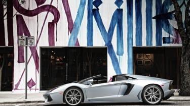 Lamborghini Aventador LP700-4 Roadster side profile roof off
