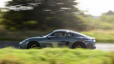 Porsche 718 Cayman - Side