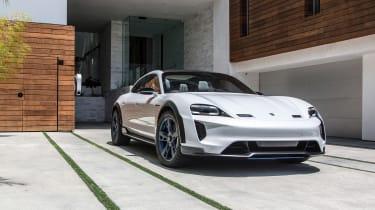 Porsche Mission E Cross Turismo - front