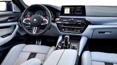 BMW M5 review - dash