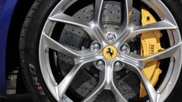 Ferrari GTC4 Lusso T - wheel