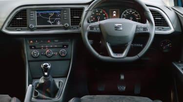 SEAT Leon SC FR interior dashboard
