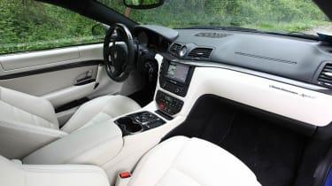 2012 Maserati GranTurismo Sport interior cream dashboard
