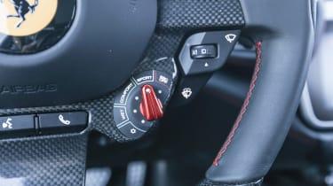 Ferrari GTC4 Lusso T - steering wheel