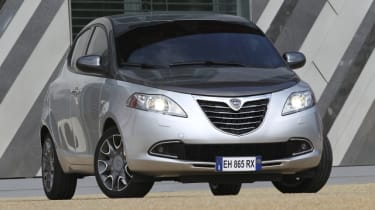 Lancia Ypsilon Chrysler Ypsilon review and pictures