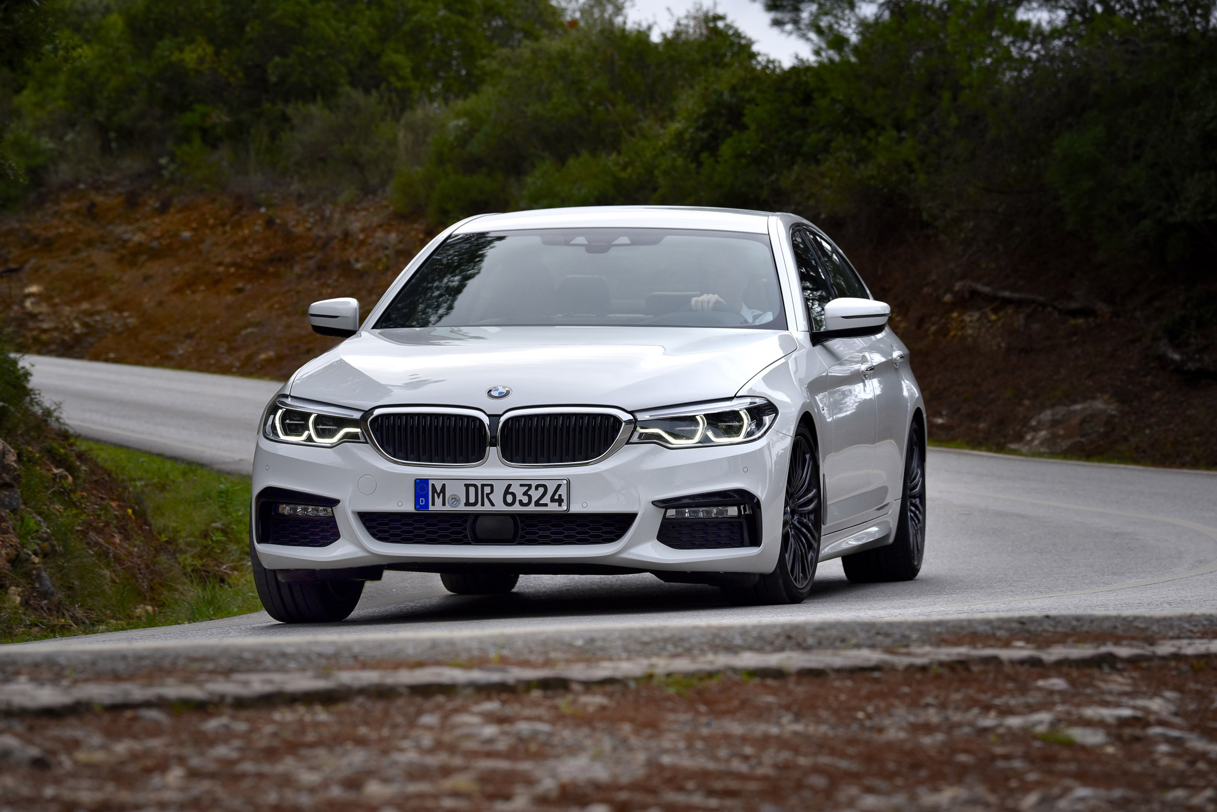 Bmw 540i Review Petrol Six Plays Second Fiddle To The Diesel Evo