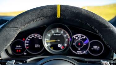 Porsche Cayenne Coupe Turbo GT – dials