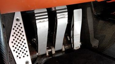 Porsche Carrera GT & 959 - pedals